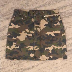 Camo skirt size 27